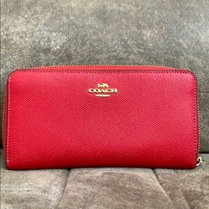 Coach Accordion zip wallet-gorgeous!!!